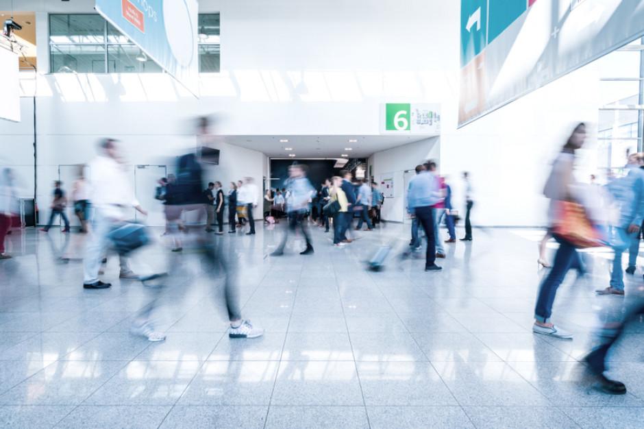 Centra handlowe: Odwiedzalność o połowę wyższa niż rok temu