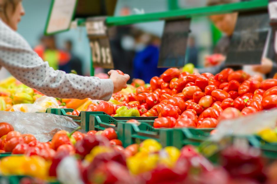 Małe sklepy: Spadek sprzedaży produktów do gotowania i pieczenia