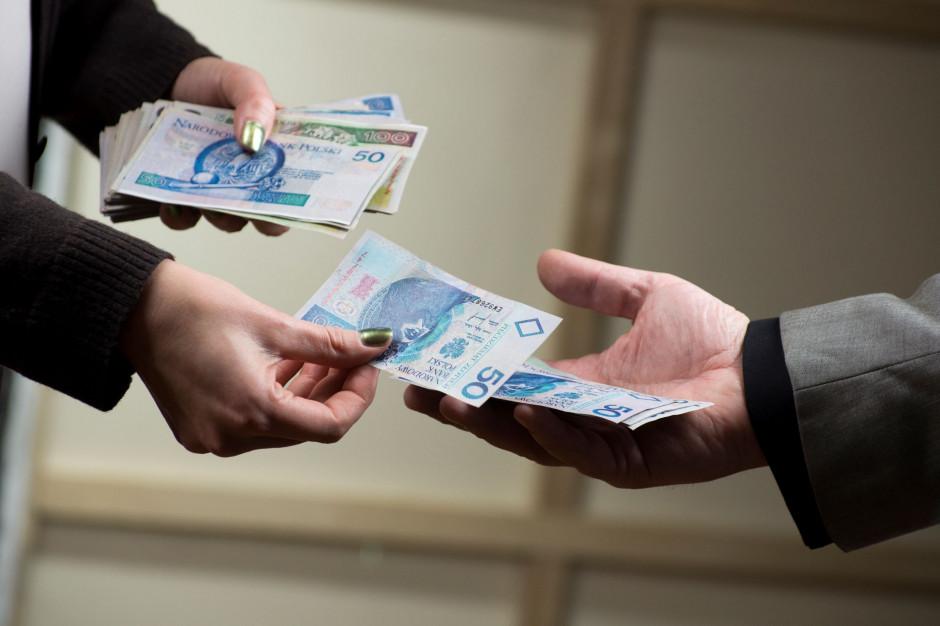 KRD: Co trzeci przedsiębiorca płaci z opóźnieniem