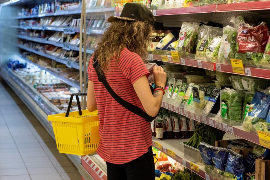 Ponad połowa Polaków robi zakupy bez rękawiczek ochronnych (badanie)