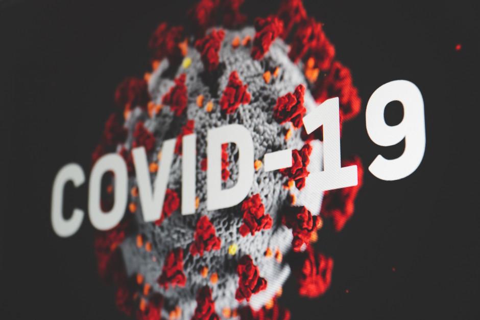 Ekspert: wirus cały czas jest aktywny, pandemia nie wygasła