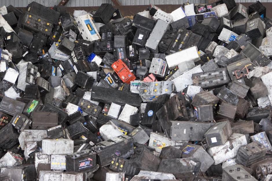 KAS zatrzymała nielegalny transport 25 ton odpadów