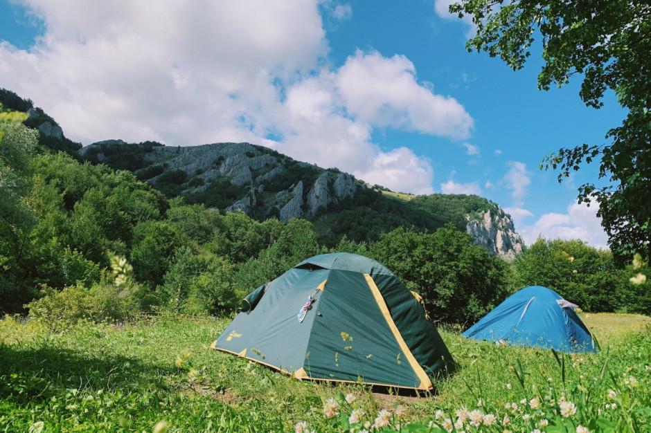 GIS opublikował wymagania dla obozów pod namiotami