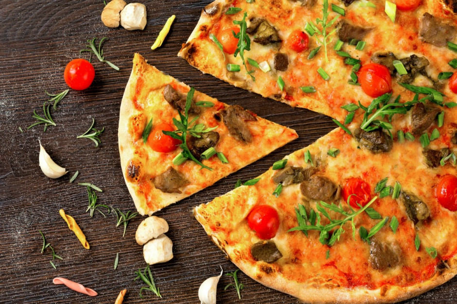Dystrybutor pizzy w Rzymie wywołuje mieszane oceny