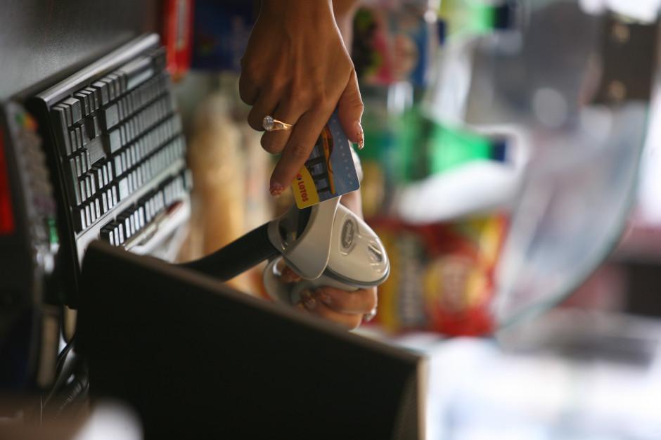 MF: Transakcje bezgotówkowe jeszcze bardziej opłacalne dla firm