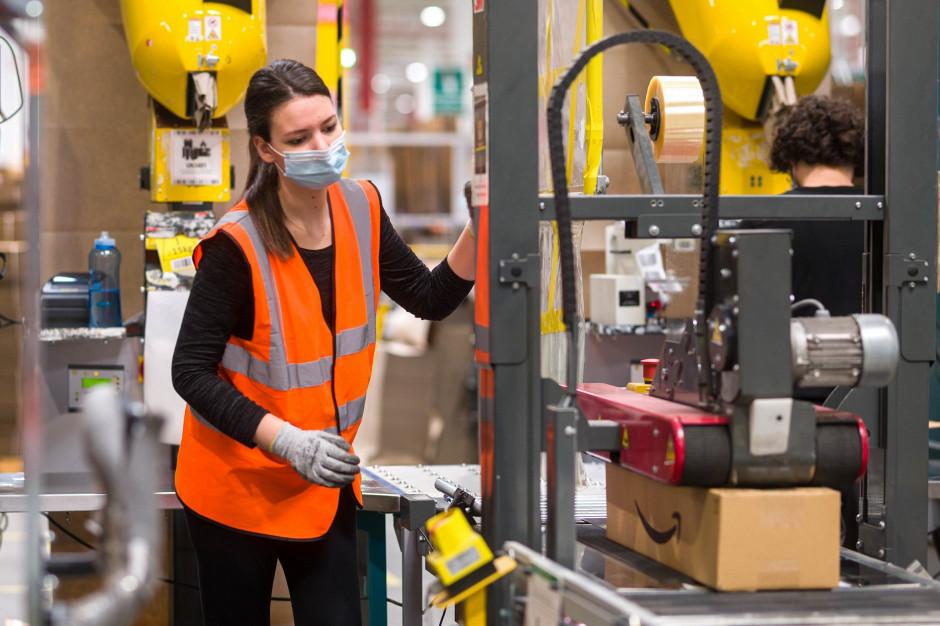 Amazon podaje stawki wynagrodzeń. Ile można zarobić?