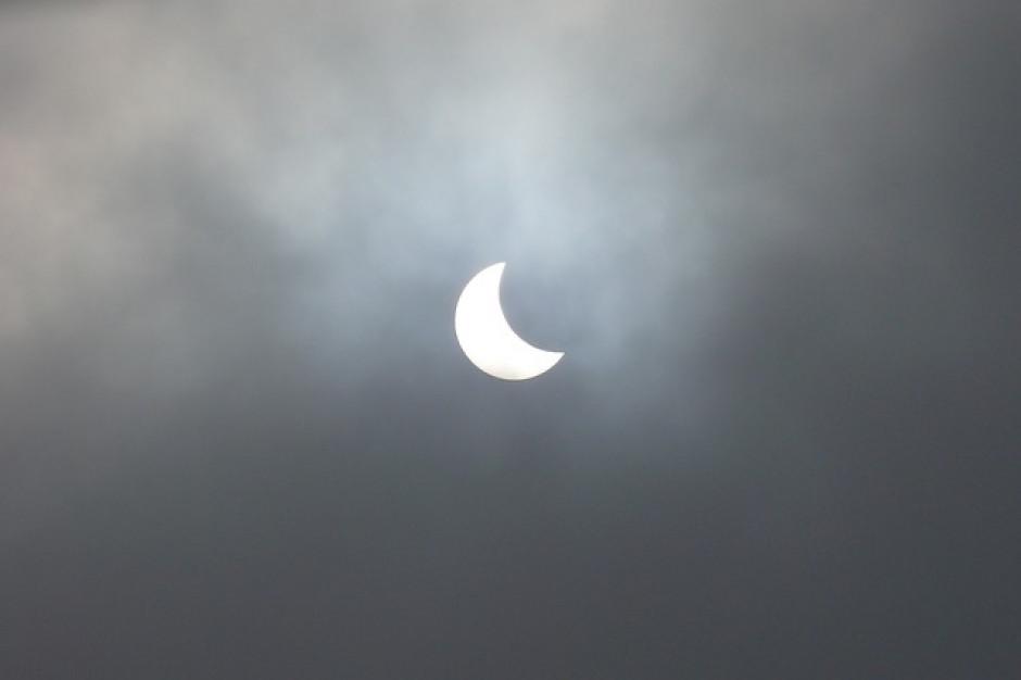 Zaćmienie Słońca obniżyło moc fotowoltaiki w Europie o 4,9 GW