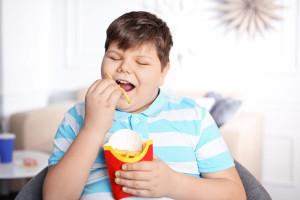 Nadmierna otyłość u dzieci wpływa na zmiany w ich mózgach
