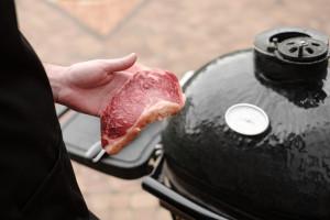 Holendrzy rezygnują z jedzenia mięsa codziennie
