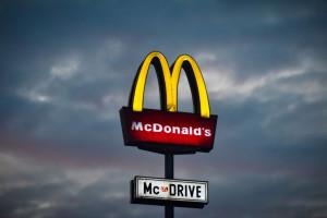 Pierwszy McDonald's w Polsce. Mija 29 lat od otwarcia