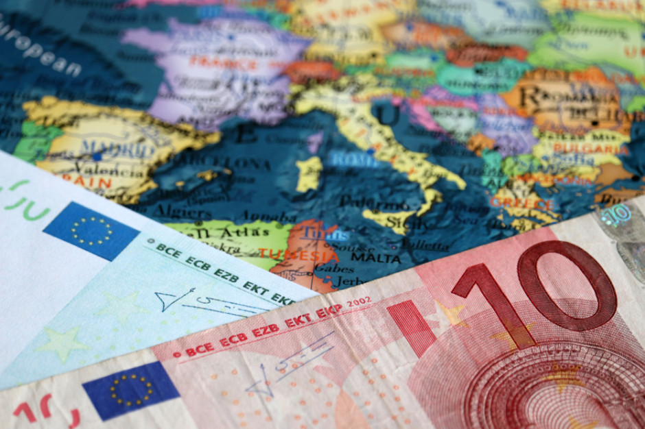 Jakie zasady obowiązują przy wwozie towarów i przedmiotów do UE?