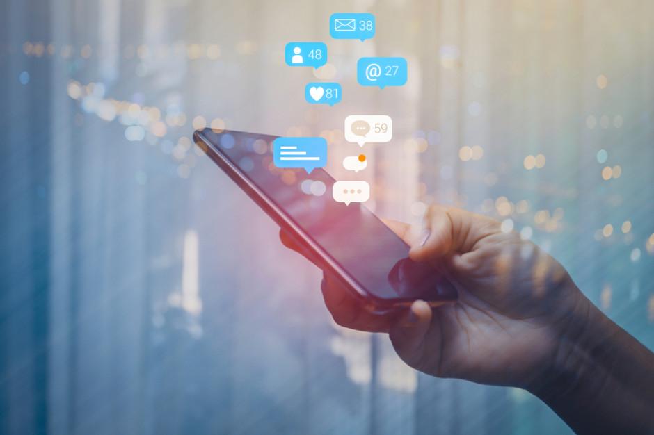 O czym dyskutujemy w mediach społecznościowych?