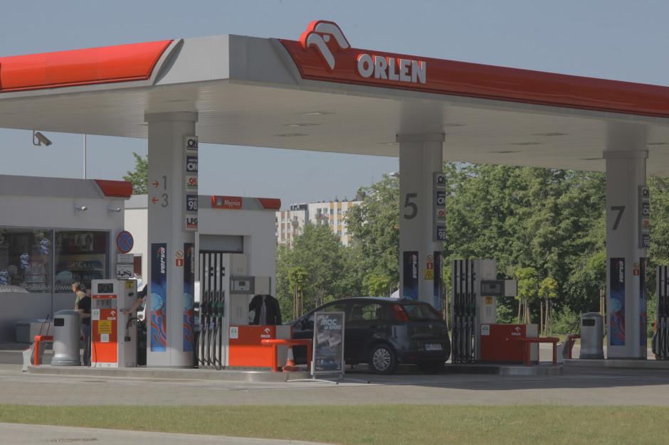 Ekspert: lato okresem relatywnie wyższych cen paliw