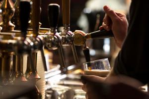 Irlandia: Puby i restauracje przyjmują gości z certyfikatem