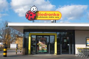 Biedronka rusza z komunikacją do klientów z Niemiec i Litwy