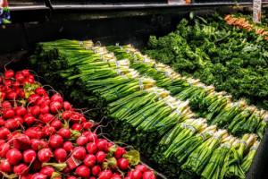 Warzywa, borówki - jakie ceny w dyskontach?