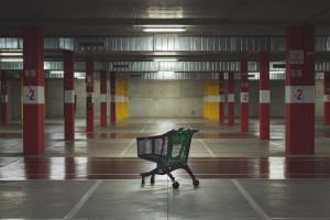 Co siódmy sklep stoi pusty, mimo wznowienia handlu po lockdownie