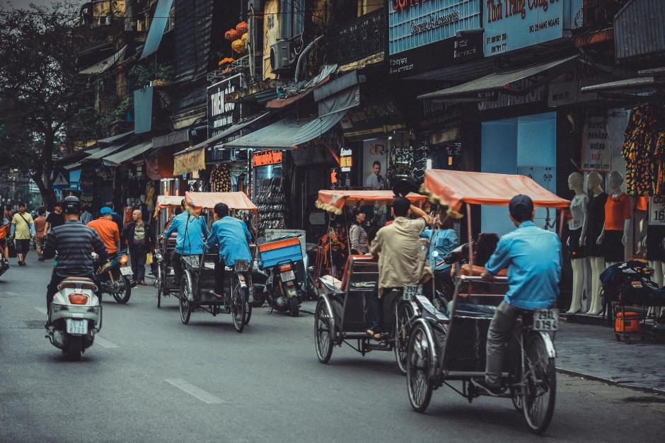 Wietnam wprowadza zakupy na kartki