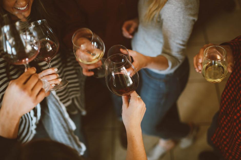 21% Portugalczyków spożywa alkohol codziennie; Polaków - 1,6%