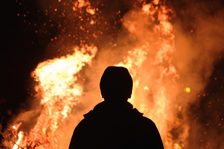 Łódzkie: Podpalił market, by obserwować akcję gaśniczą