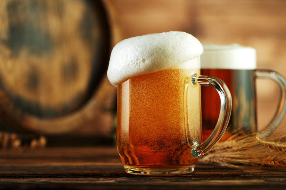 Biedronka rozdaje piwo. Oferta 12+12 gratis ważna jeden dzień