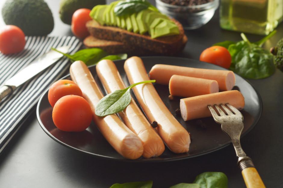 Zamienniki mięsa. Czy wege zawsze oznacza z lepszym składem?