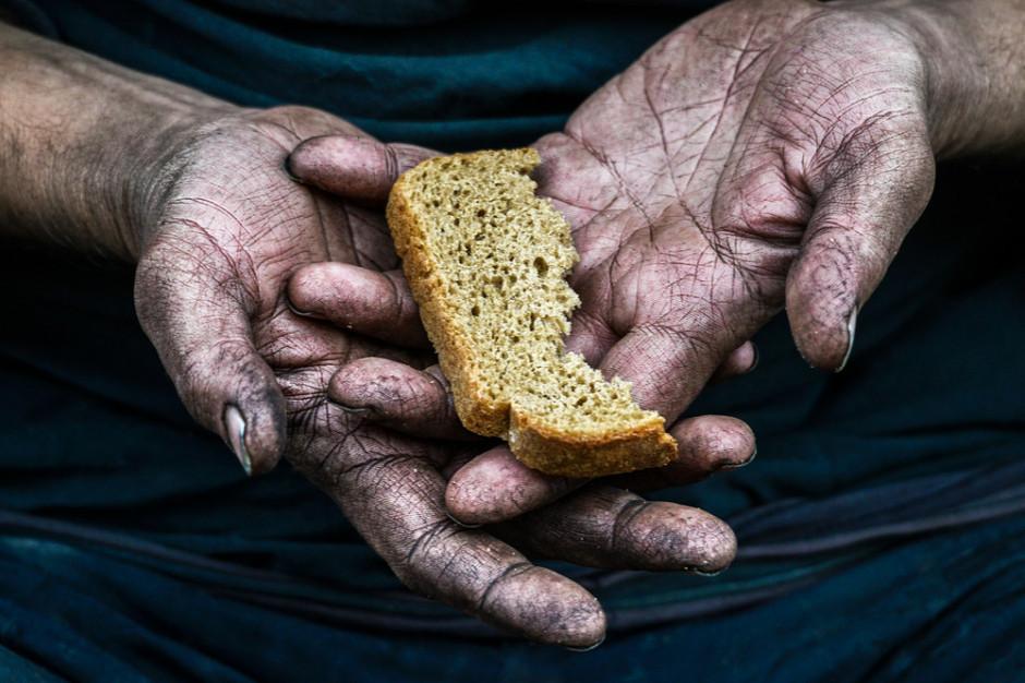 Liczba głodujących na świecie podwoiła się przez pandemię