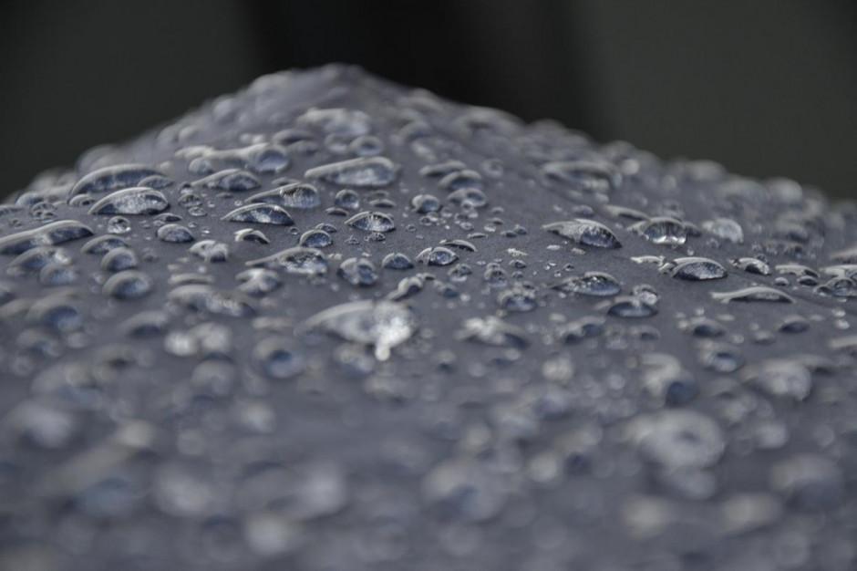 Synoptyk: W nocy opady deszczu mogą lokalnie przekroczyć 70 mm
