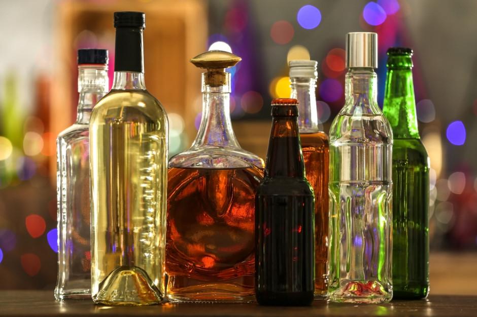 W 2020 r. Polak wypił więcej wina i miodów, a mniej piwa na głowę
