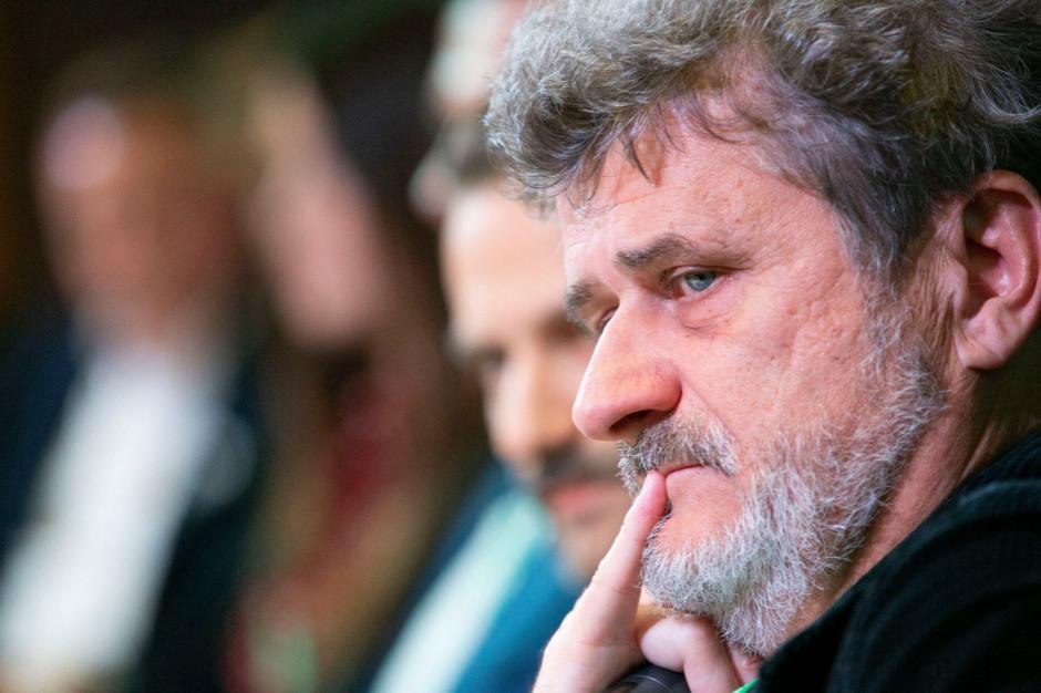 Janusz Palikot w roli dziennikarza? Prowadzi wywiady o alkoholach