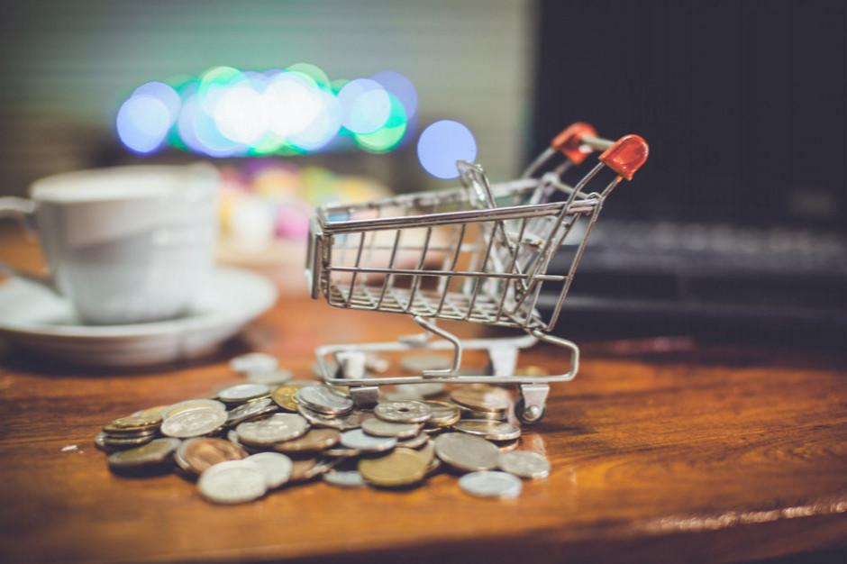 Zmiany w handlu uderzają w małe i wielkie sklepy