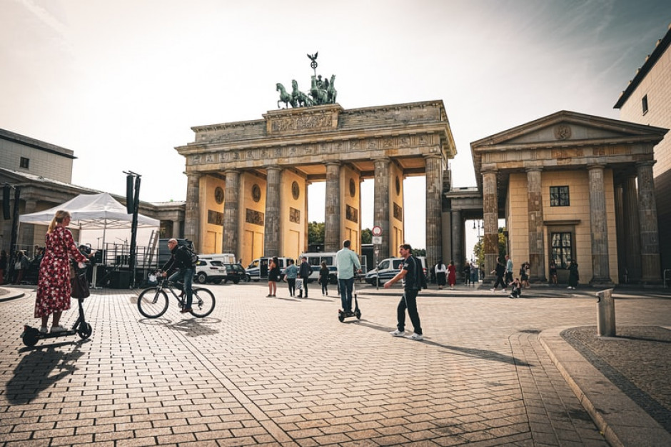 Niemcy: gospodarka i rynek pracy odbudowują się