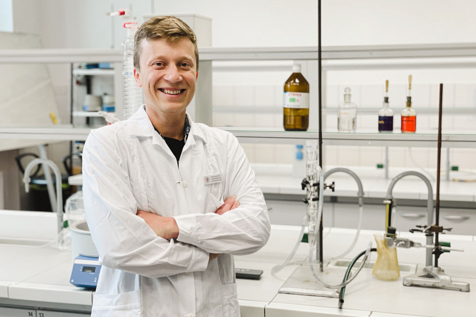 Naukowcy z UPWr szukają mikroorganizmów rozkładających plastik