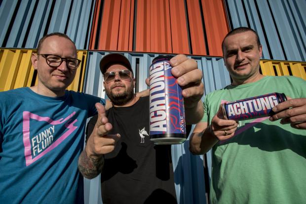 Piwo Achtung rapera Onara trafi do sprzedaży także poza Polską