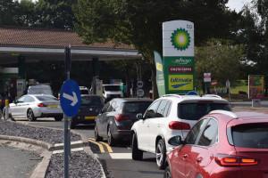 Wielka Brytania: Wojskowi kierowcy będą rozwozić paliwo