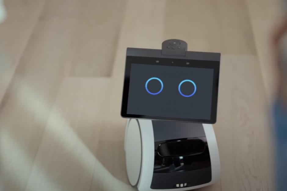 Amazon: pies-robot Astro robi urocze miny i patroluje dom