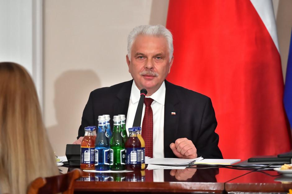 Wiceminister: Podatek cukrowy nie wpłynął na sprzedaż energetyków