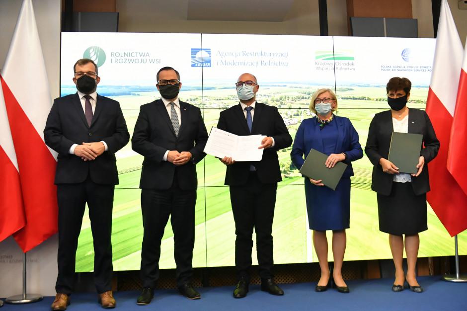 Podpisano umowy ws. wykorzystania dronów w rolnictwie