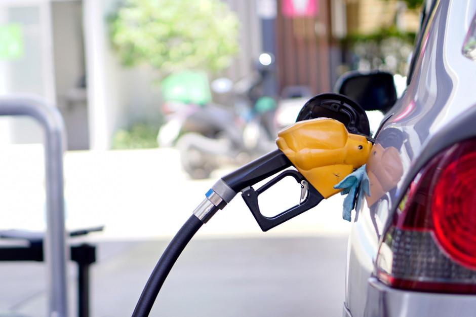 Olej napędowy wkrótce droższy od benzyny