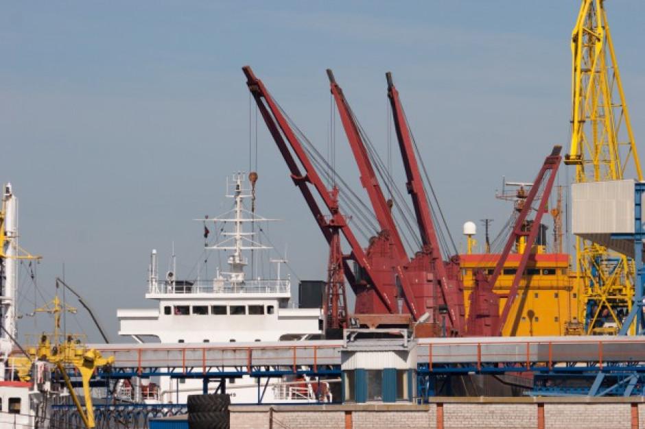 Największy brytyjski port zakorkowany przez brak kierowców