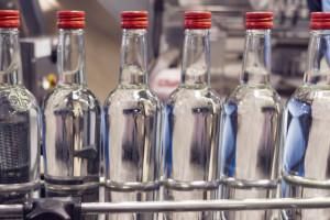 Podwyżka akcyzy na alkohol pogrąży rzemieślników. Co z ceną wódki?