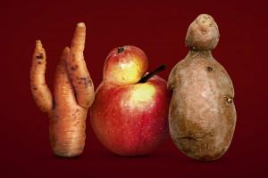 Kaufland sprzedaje nieidealne owoce i warzywa od rolników