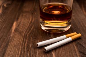 Akcyza na alkohol i papierosy: Projekt ustawy trafił do Sejmu