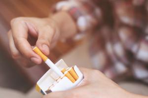 Udaremniono przemyt papierosów ukrytych w transporcie desek