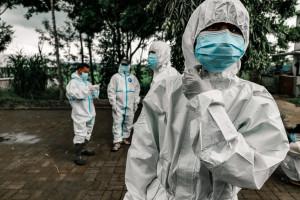 Ponad 8 tys. nowych zakażeń koronawirusem. Rok temu było dwa razy więcej